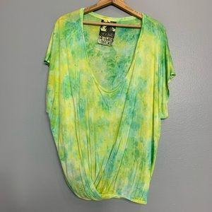 YOUNG, FABULOUS AND BROKE | tie dye tunic top